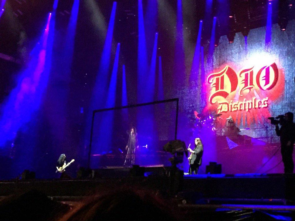 Ronnie James Dio se reúne con su banda en Wacken gracias a un holograma