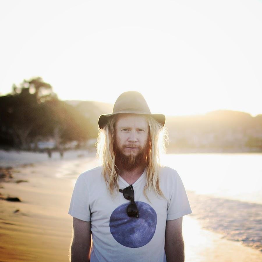 Stu Larsen, gira por España a finales de octubre