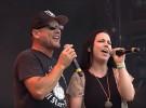 Amy Lee, de Evanescence, canta con Ugly Kid Joe en el festival Graspop