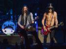 Slash: «Ver a Axl cantando en AC/DC fue increíble, lo bordó»