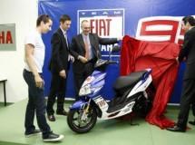 Jorge Lorenzo visita Yamaha Motor España antes del inicio del GP Jerez