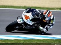 Hiroshi Aoayama logra el mejor tiempo de 250cc en el warm up de Jerez