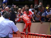 Stoner podría perderse la carrera de Brno, Indianápolis y Misano