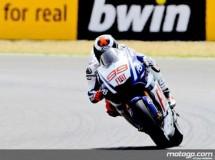 Jorge Lorenzo se muestra muy fuerte en el Warm Up de MotoGP con Pedrosa 2º