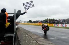 Shane Byrne logra la victoria en la segunda carrera de SBK Británicas en Thruxton
