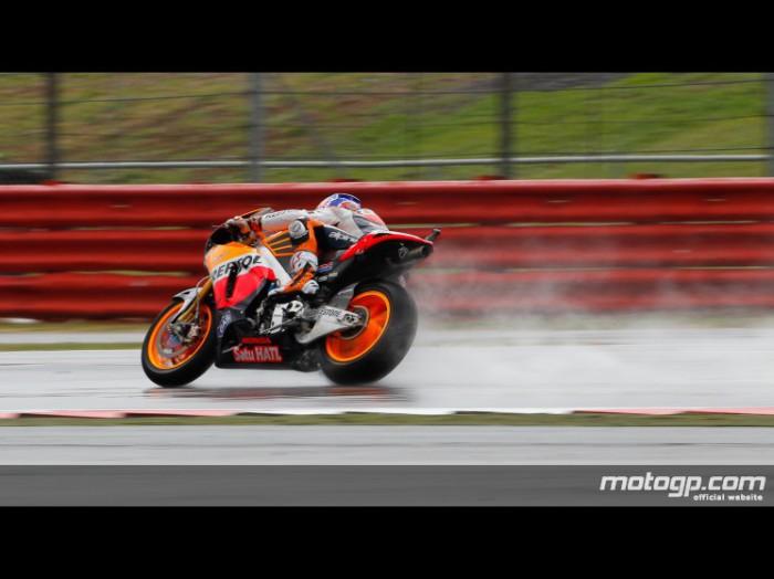 Casey Stoner el más rápido del Warm up mojado de MotoGP en Silverstone