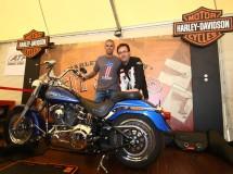 Víctor Valdés visitó ayer los Barcelona Harley Days 2011