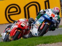 Kenny Noyes acaba la carrera de Moto2 en Alemania con la maneta doblada