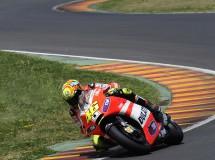 Rossi se fracturó el meñique en Motegi y no probará la GP12 en Jerez