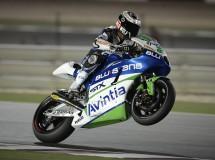 Jorge Lorenzo brilla y gana bajo los focos de Qatar en MotoGP