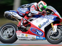 Davide Giugliano el mejor en la QP1 de Superbikes en Brno