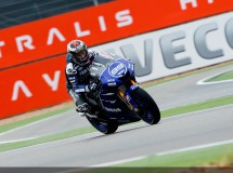 Dani Pedrosa triunfa en la carrera de MotoGP en Motorland