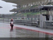 Día 2 de test MotoGP CRT en Sepang con problemas técnicos y lluvia