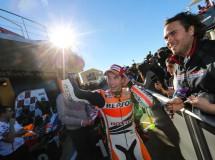 Lorenzo gana la carrera MotoGP en Valencia, Pedrosa 2º y Márquez Campeón