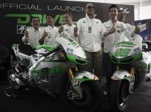El equipo Drive M7 Aspar presentado en Sepang con Aoyama y Hayden