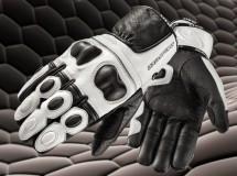 AXO presenta sus nuevos guantes Snake