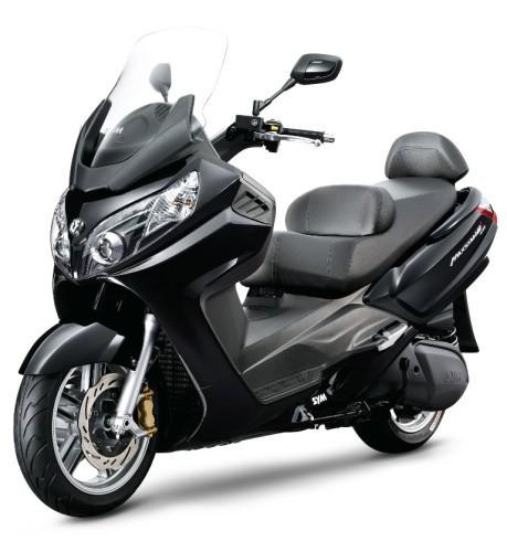 MAXSYM-600i-negro