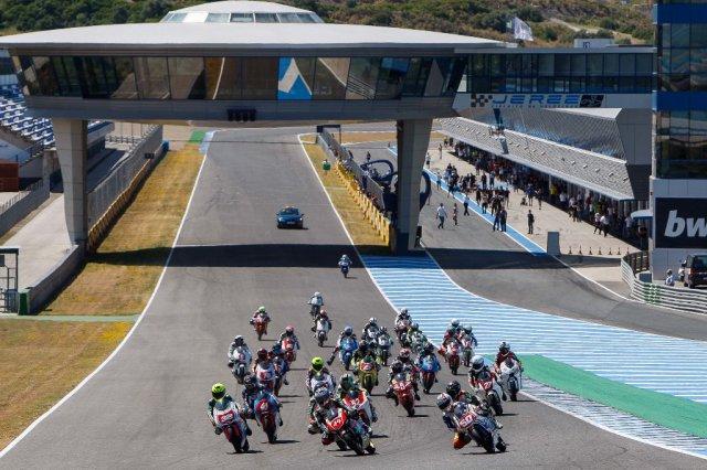 Salida PreGP125-PreMoto3 Jerez 2013.Fotografía Iván Terrón