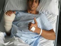 David Salom operado con éxito de su mano derecha