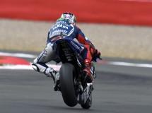 Jorge Lorenzo logra la pole de MotoGP en Misano, Iannone 2º y Rossi 3º