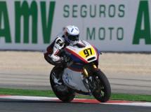 Xavi Vierge triunfa en un carrerón de Moto2 CEV en Navarra, Pons 2º