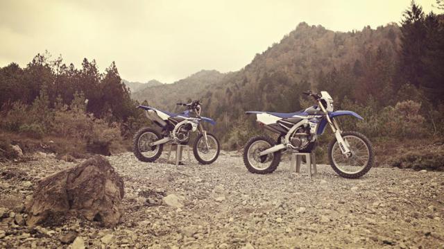 2015-Yamaha-WR250F-EU-Racing-Blue-Static-003