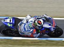 Lorenzo triunfa en la carrera de MotoGP en Japón, Márquez es 2º y Campeón