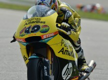 Maverick Viñales triunfa en la carrera Moto2 en Sepang, Rabat Campeón