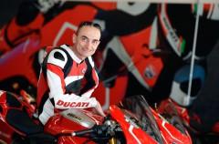 Aruba es el nuevo patrocinador del equipo Ducati SBK para 2015