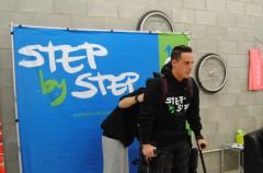 Pol Espargaró prueba el Exoesqueleto de Step By Step