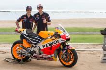 Pedrosa y Márquez presentan su Honda MotoGP 2015 en Bali