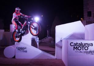 Toni Bou se exhibe en la presentación de la exposición Catalunya Moto