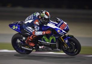 Lorenzo con problemas de visión en el GP Qatar a causa de la espuma del casco