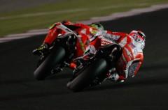 Andrea Iannone es el más rápido del día 1 de test MotoGP Qatar