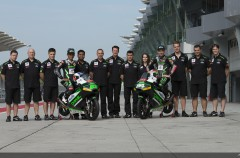 El equipo Drive M7 SIC Racing de Moto3 se presenta en Sepang