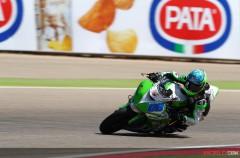 Sofuoglu triunfa en la carrera de Supersport Motorland Aragón, KO Cluzel