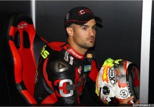 Xavi Forés disputará la tercera cita del IDM SBK 2015 en Lausitzring