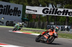 Davide Giugliano domina la FP3 y FP4 SBK en Imola