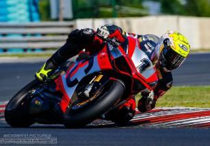 Xavi Forés marca un 2º y una victoria en la cita IDM Superbike en Hungaroring