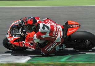 Carlos Checa concluye con éxito y con buenas sensaciones el test Ducati SBK en Mugello