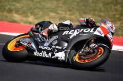 Pedrosa y Márquez prueban las Honda MotoGP 2016