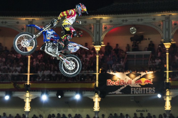 x-fighters accion pages