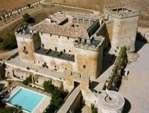 Siéntete como un noble medieval alojado en el Castillo de Buen Amor