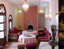 Alojarse en Asilah: Hotel Dar Manara
