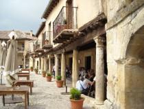 Pedraza: Retorno al pasado medieval