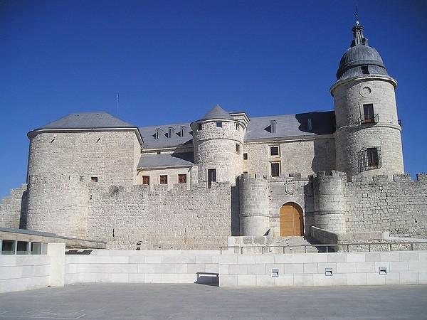 El Castillo de Simancas y sus valiosos archivos y documentos