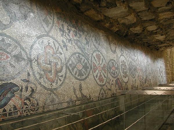 Dentro de su basílica patriarcal se hayan estos maravillosos diseños