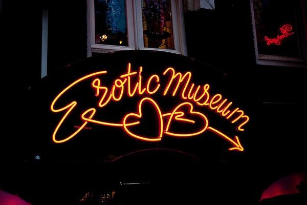 Fachada del Museo Erótico, en el Barrio Rojo de Amsterdam