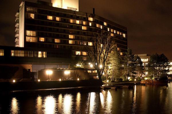 Hotel Hilton Amsterdam, uno de los más importantes de Holanda