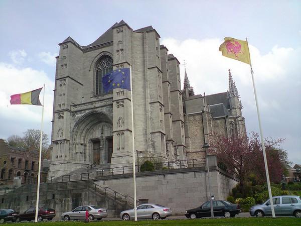 La Catedral de Mons, una histórica ciudad de Bélgica